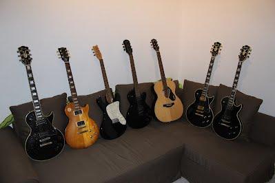 Mis guitarras aca!
